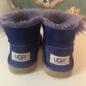 Adorable purple UGG boots Size 8 Toddler